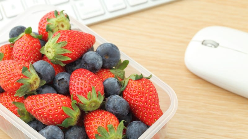 What Healthy Snacks Can I Bring to the Office?