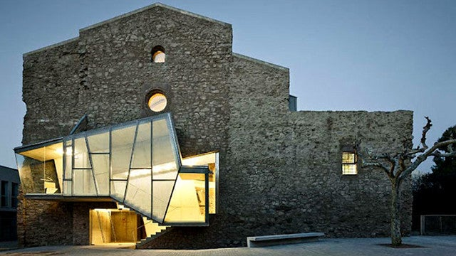 An 18th Century Spanish Church Gets a Thoroughly Modern Makeover