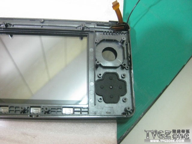 Check Out The Inside Of A 3DS