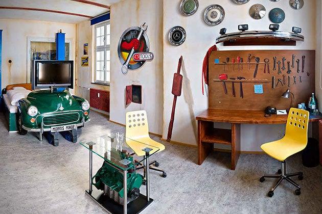 The V8 Hotel: A gearhead's dream