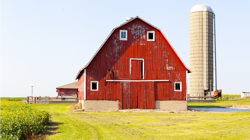 Barns Are Red Because of How Stars Explode