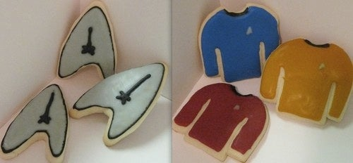 Celebrate The Holidays With Starfleet Cookies, A Klingon Christmas, And Abrams-Inspired Trek Novels