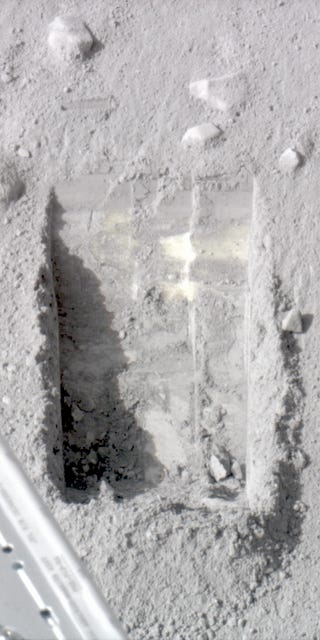 Robot Finds Melting Ice on Mars
