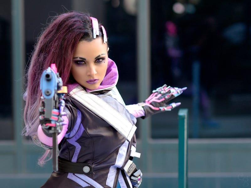 Blizzard Had Official Sombra Cosplay Made For Her Reveal