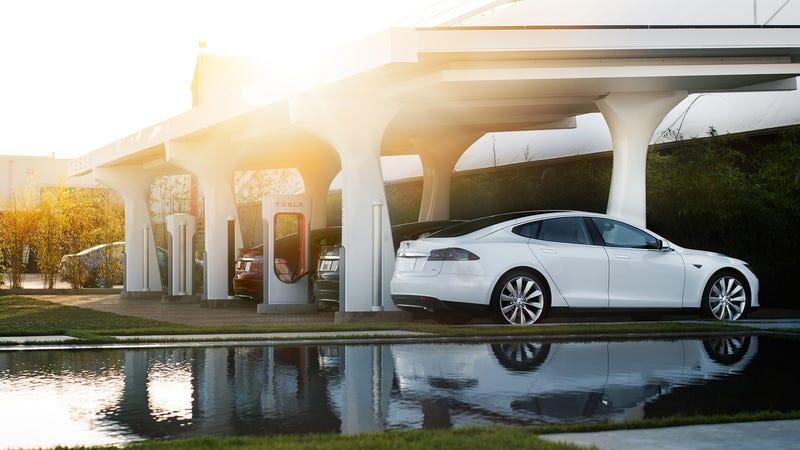 Tesla Accused Of 'Smash And Grab Raid' By UK Green Energy Company