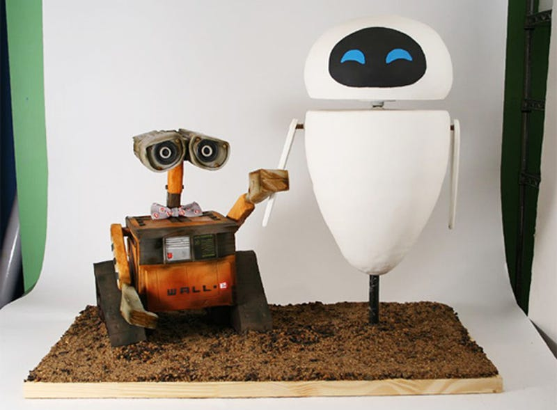 This Wall-E Cake Is Pixar-Perfect