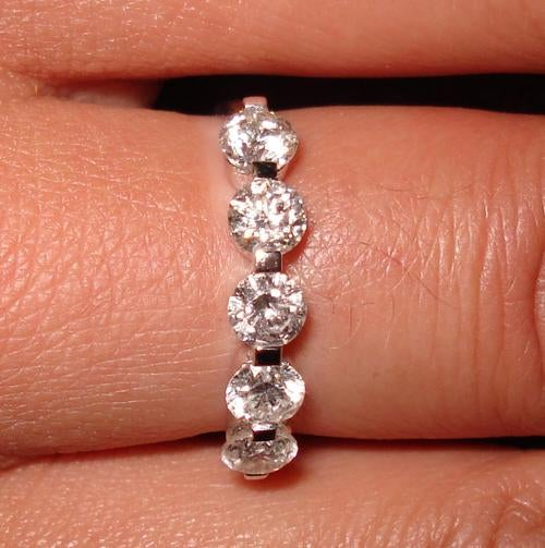 Rejected Man Hides Engagement Ring for Twitter Treasure Hunt