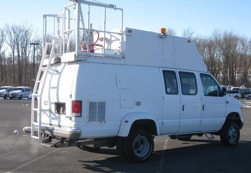 Badass Mobile Datacenter Van for Itinerant Sysadmins