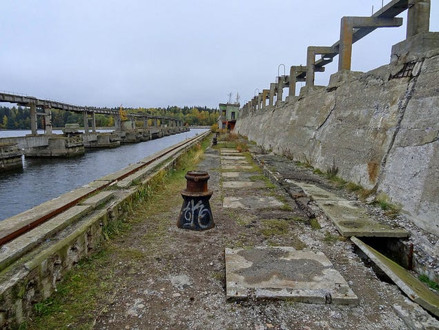 El distópico mundo de las bases de submarinos abandonadas 805315687553752493