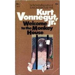 slaughterhouse five by kurt vonnegut undermine the readers expectations Kurt vonnegut's novel, ''slaughterhouse five'', is the tale of a war veteran who is abducted by aliens and learns that death is not something to.
