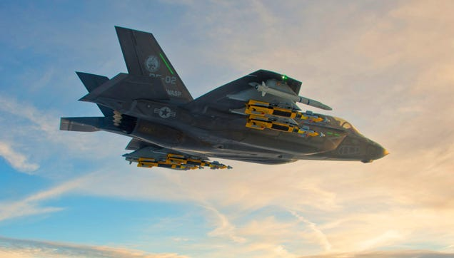 La extraña explicación oficial al problema de combate en vuelo del F-35