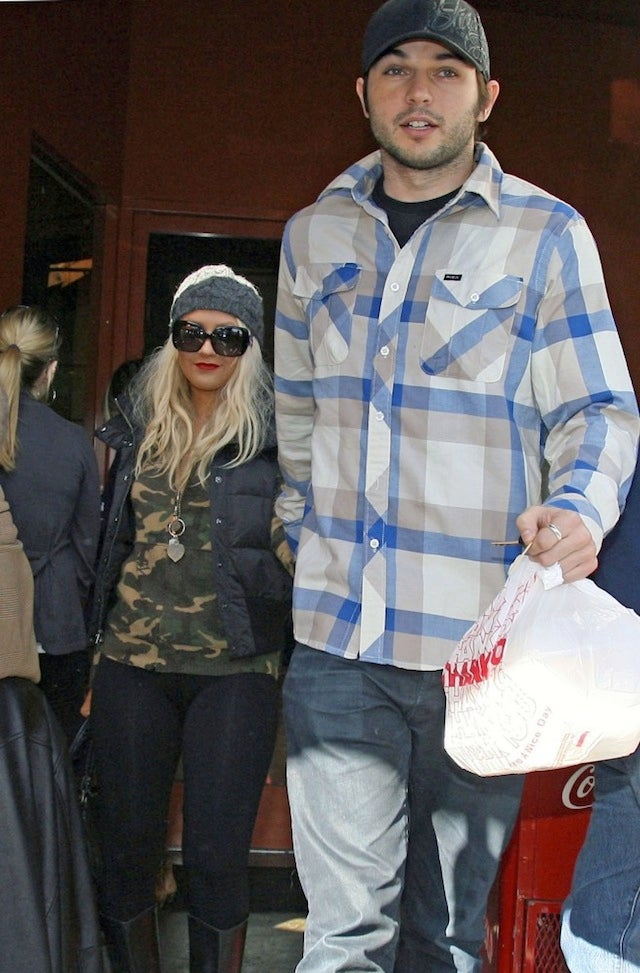 Christina Aguilera Lives With Boyfriend & Ex-Husband In One House