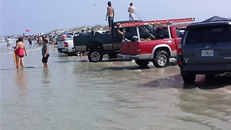 Tide Drowns 'Hundreds' Of Vehicles On Florida Beach 'With No Warning'