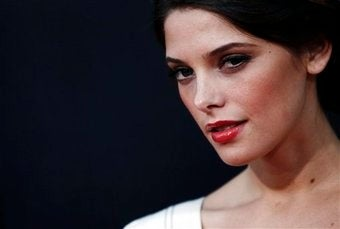 Twilight's Ashley Greene Becomes the Internet's Newest Nude Starlet