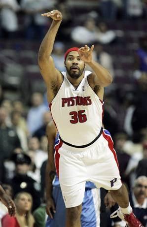 NBA Roundup: Bombs Away!