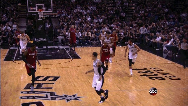 Old-Ass Ray Allen Throws Down A Dunk