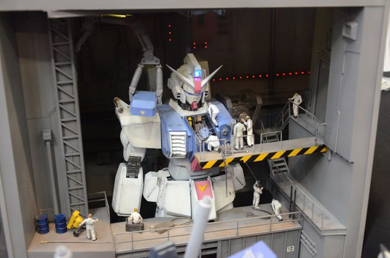 Giant Mecha Make the Best Models. They Really Do.