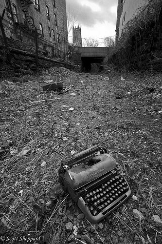 WTAN Signing Off: Old School Like a Typewriter in the South Bronx Jungle