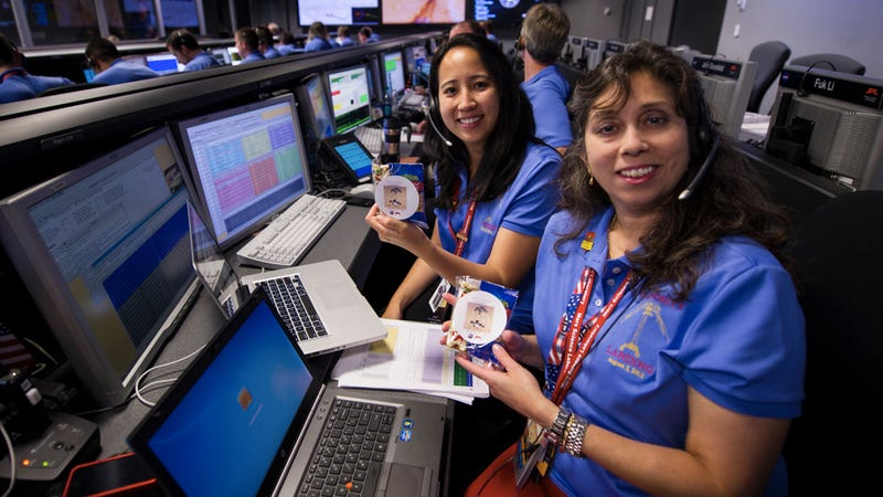 What Snacks Are People Eating in JPL Mission Control?