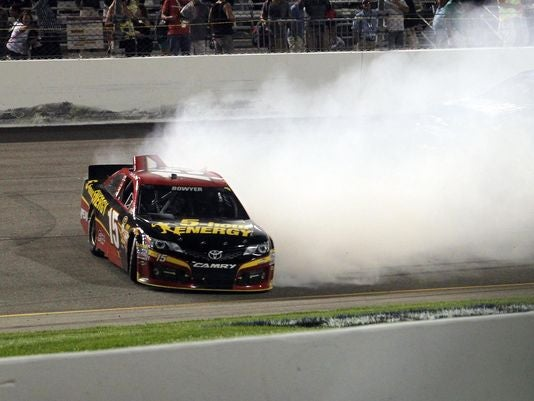 Edwards Takes Richmond...But Who Cares? Did Your Favorite Get In The Chase?