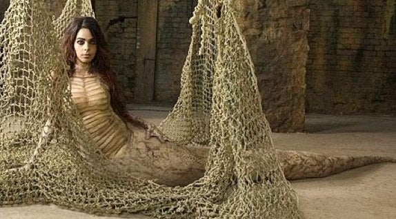 Bollywood Snake Lady Captured From The Wild, Wants To Be Your Girlfriend