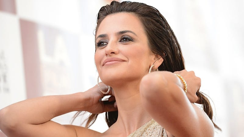 Penelope Cruz Wants to Reassure Downtrodden Spaniards That She's Not Even a Little Bit Arrogant