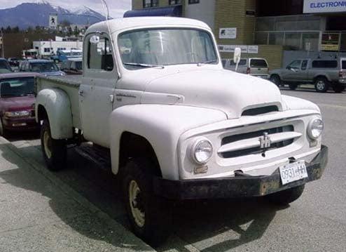 DOTS-O-Rama Sunday: 1954 International Harvester Pickup
