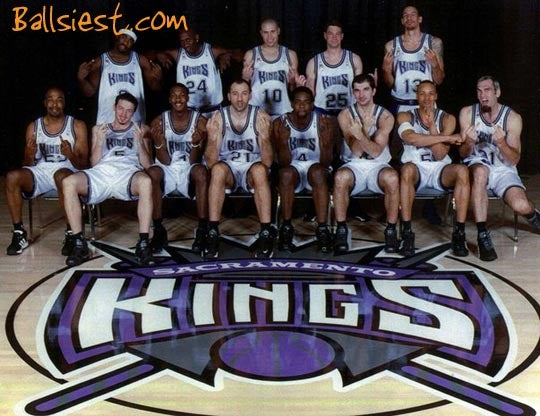 """Early 2000s Kings Get Their """"Wacky Pose"""""""