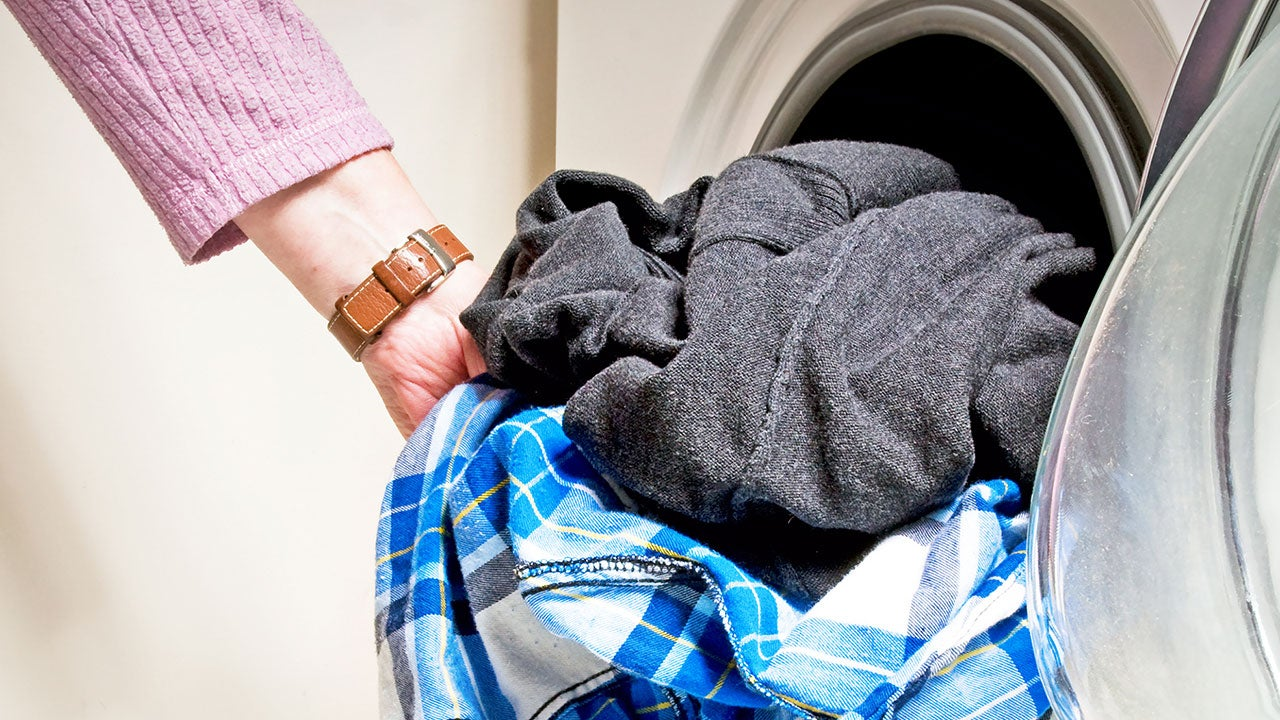 how to take out old oil stains from clothes