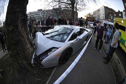 Lamborghini Gallardo Crashes Nose First Into London Tree