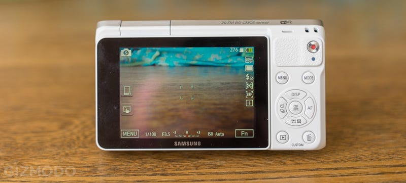 Samsung NX Mini Review: Small, Stylish, And a Little Bit Confused