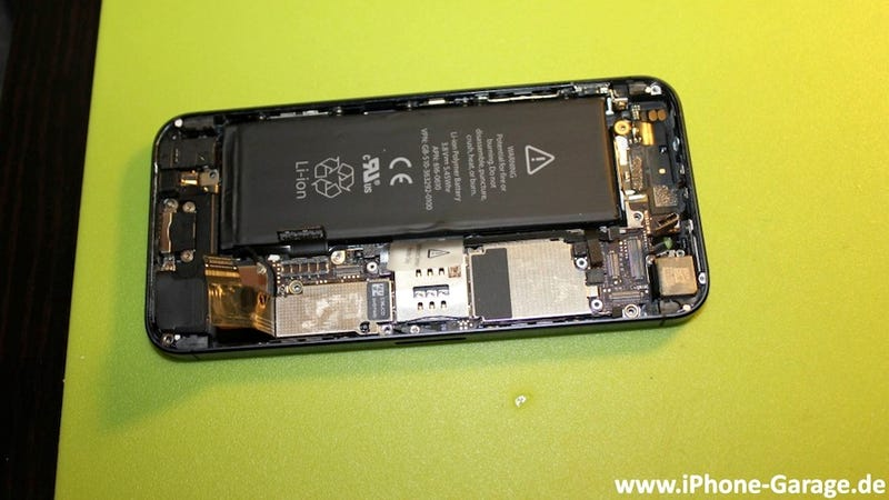 The First Pictures in the World of the iPhone 5 Taken Apart