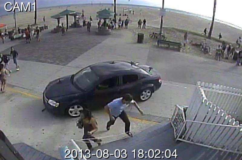 (Update) LA Driver Deliberately Hit Pedestrians on the Venice Beach Boardwalk