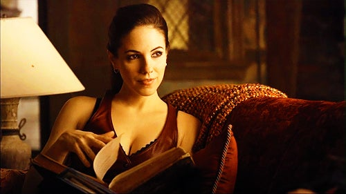 10 Good Reasons to Watch Lost Girl, the TV Show About a Succubus Detective