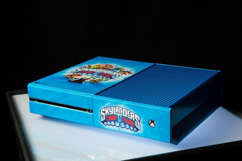 "21 Custom Xbox One Consoles Go From ""Yes Please"" To ""God Whyyyy"""