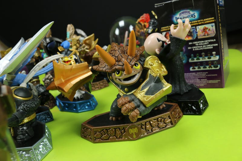 Toy Time Plays With The First Batch Of Skylanders: Imaginators Figures