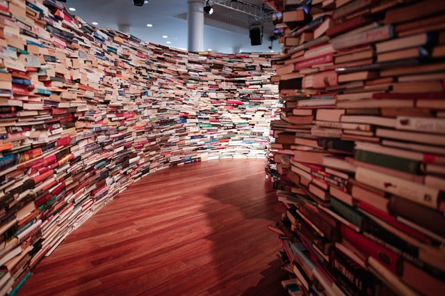 This is how you build a labyrinth out of 250,000 books