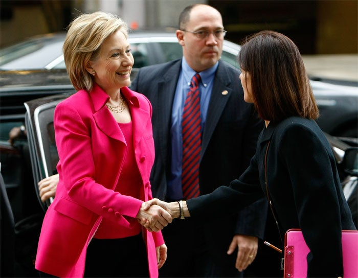 Hillary's Staff Matches Office Supplies To Outfit