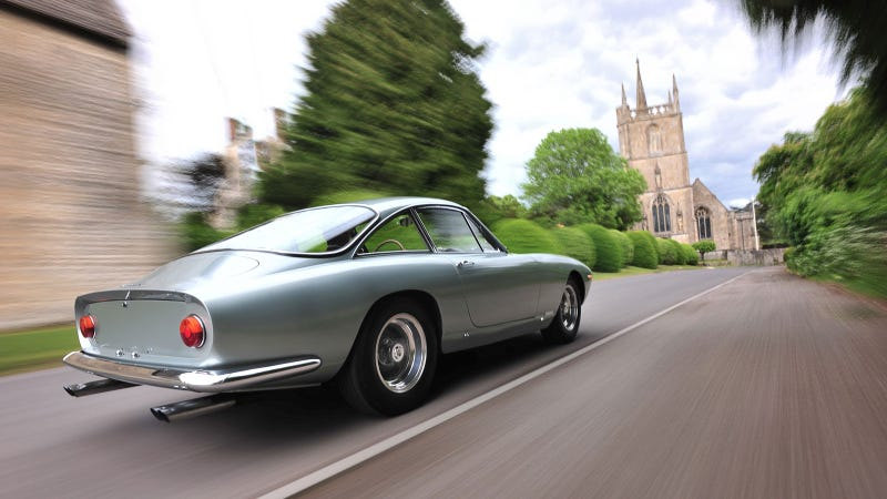 Your ridiculously cool Ferrari 250 Lusso wallpaper is here