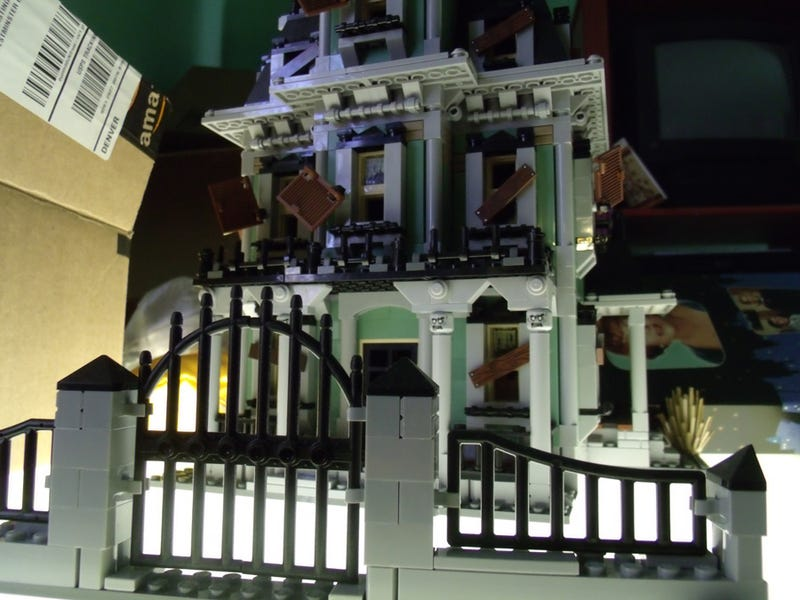 The Empress Reviews: Lego Monster Fighters Haunted House