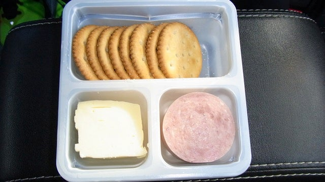 Make Your Own Lunchables for a Cheap and Healthy Snack
