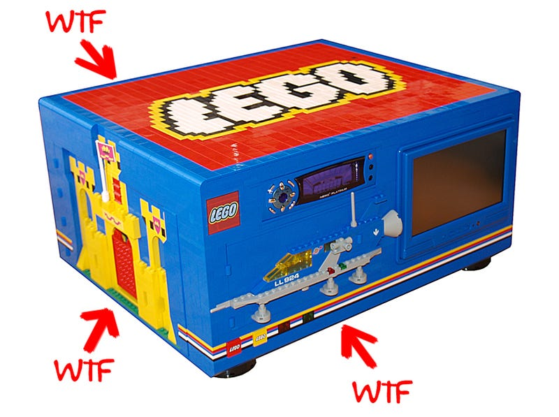 Big Blue PC Is Ultimate Homage to 80s Lego Sets