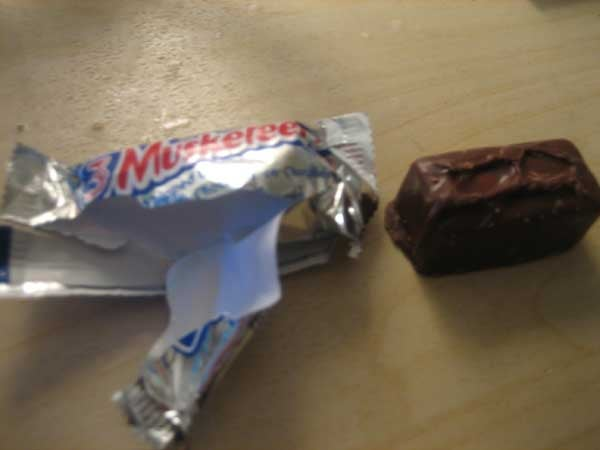 Lightning Review: Fun Size 3 Musketeers Bars (Verdict: Not That Fun)