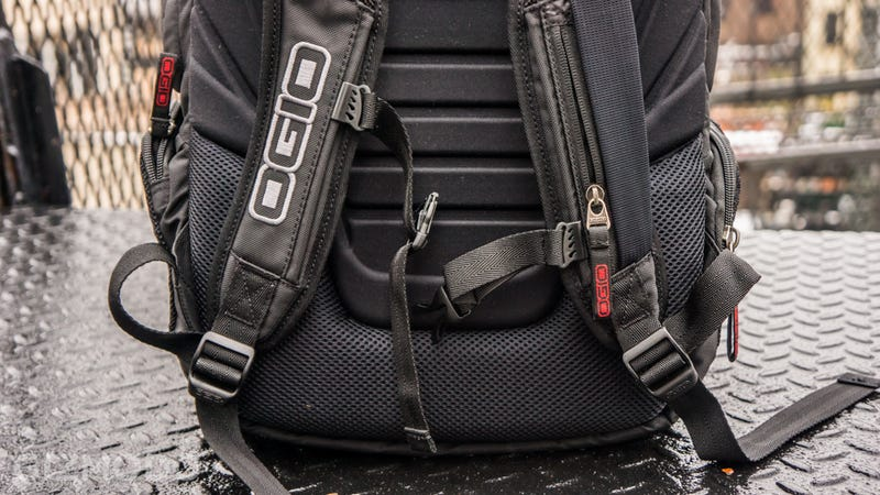 Ogio Renegade RSS Gallery