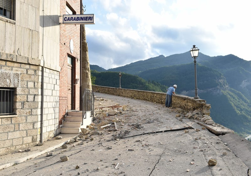 Deadly Earthquakes Turned Central Italy Into a Terrifying Pile of Rubble