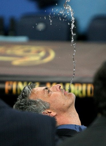 Mourinho Celebrates With Incredible Display Of Spitting