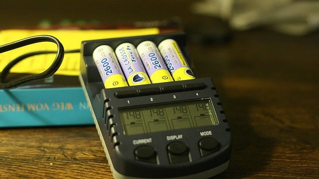 Automatic Facebook Login, Rechargeable Batteries, and Smartphone Notes