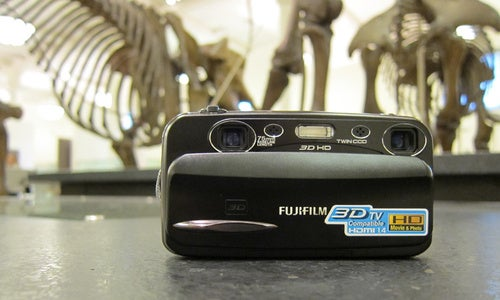 Hands-On: Fujifilm W3 3D Point-and-Shoot Camera Inches Closer to the Mainstream