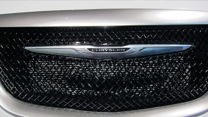 Chrysler 200 Super S: Detroit Auto Show Live Photos