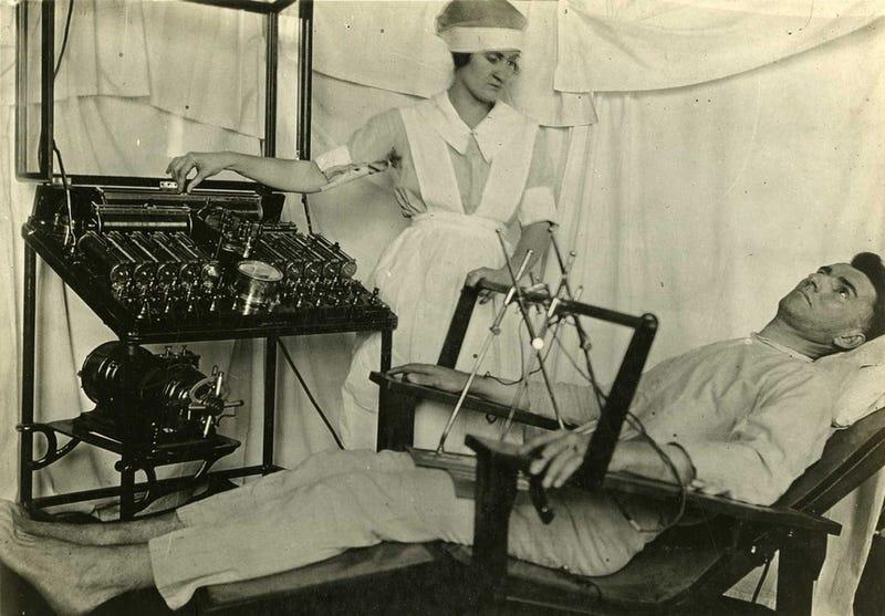 22 Strange Medical Instruments From the Past That Make You Shudder